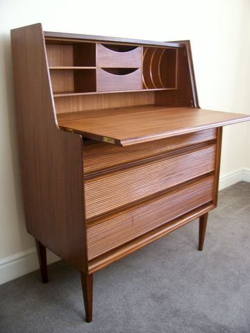 Richard Hornby desk bureau